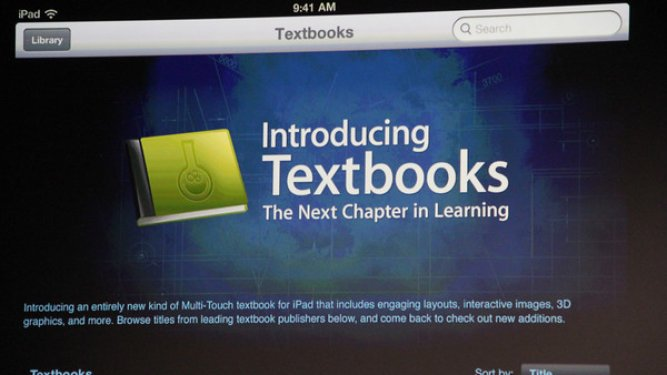 Apple's iBook get 350,000 downloads in just Three Days