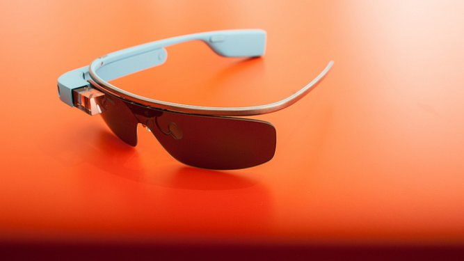 How Google Glass Can Go Mainstream And Gain Mass Appeal Outside The Tech Community